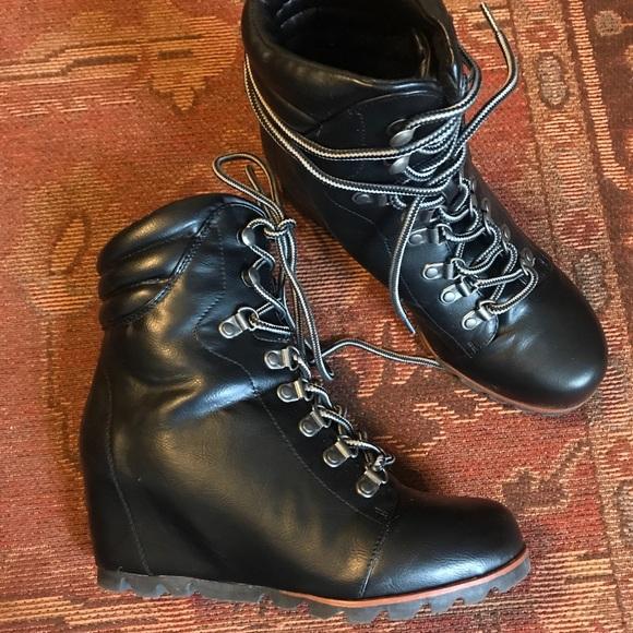 ff66a6fbd18 Esprit Shoes - Esprit wedge boot